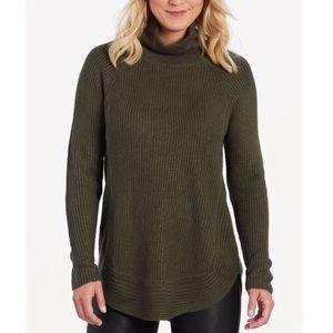 ALLISON JOY - EVEREVE Green Long Sleeve Sweater